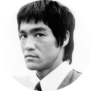 Bruce Lee descrive l'utilizzo delle forme